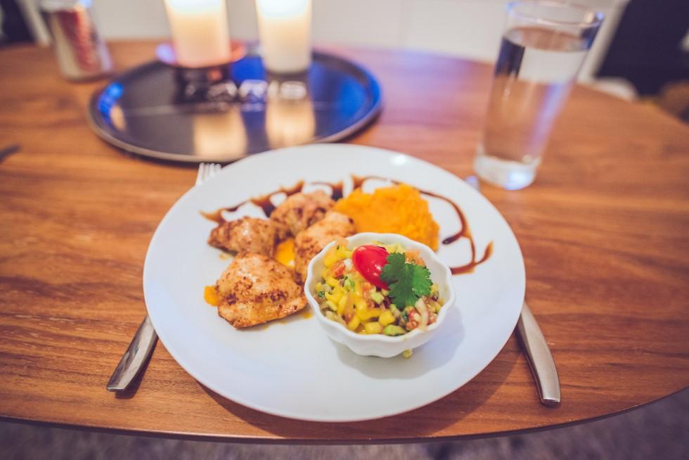 janni-deler-homemade-dinner-sweetpotato-chickenDSC_8789