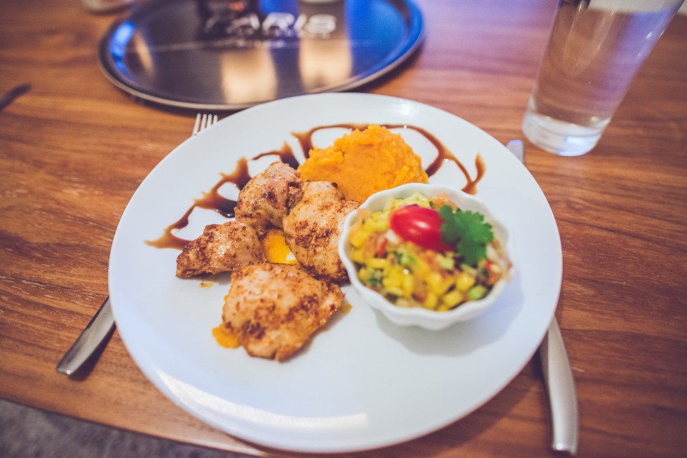 janni-deler-homemade-dinner-sweetpotato-chickenDSC_8791