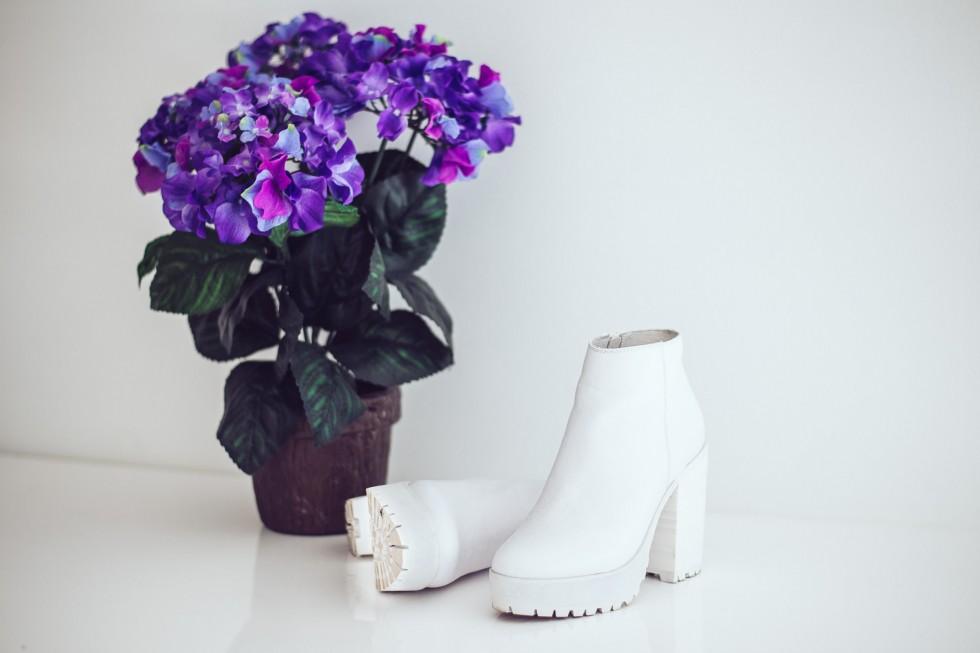 janni-deler-white-shoes-jenniellenDSC_8865
