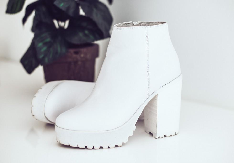 janni-deler-white-shoes-jenniellenDSC_8870