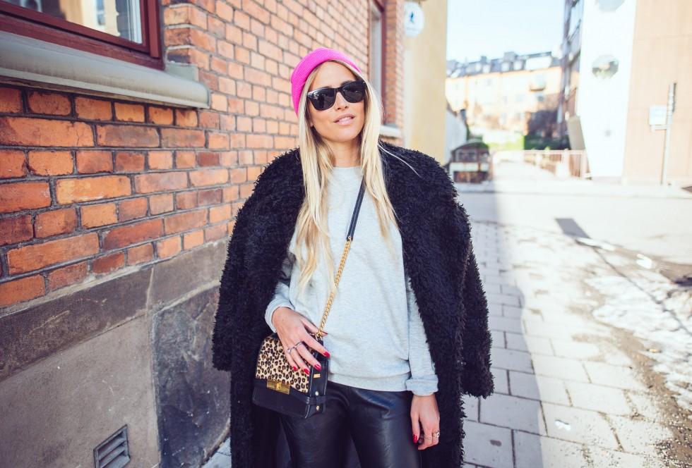 janni-deler-black-fluffy-jacketDSC_1302
