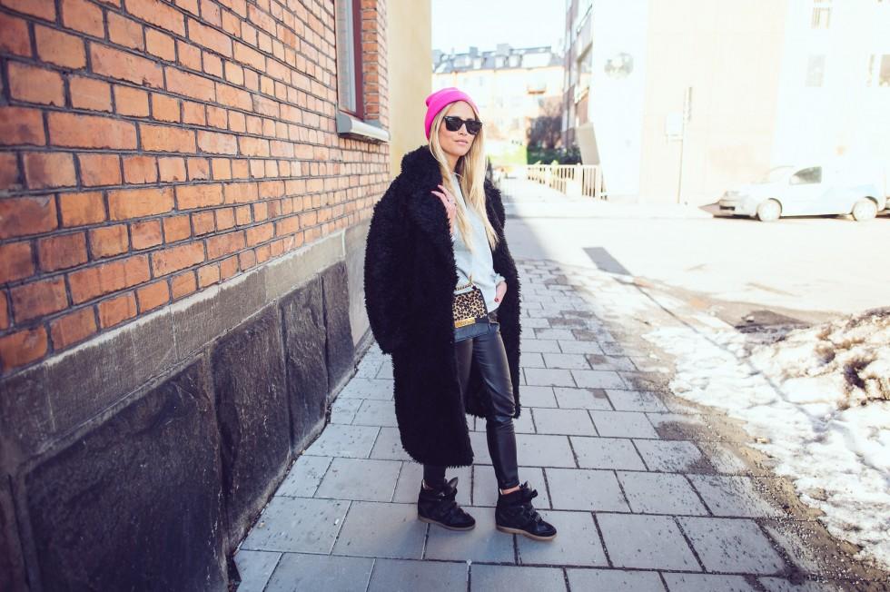 janni-deler-black-fluffy-jacketDSC_1319