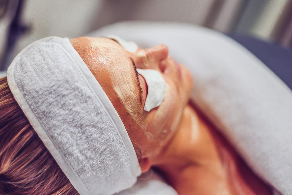 janni-deler-facial-decleorjanni-deler-face-treatmentDSC_3072