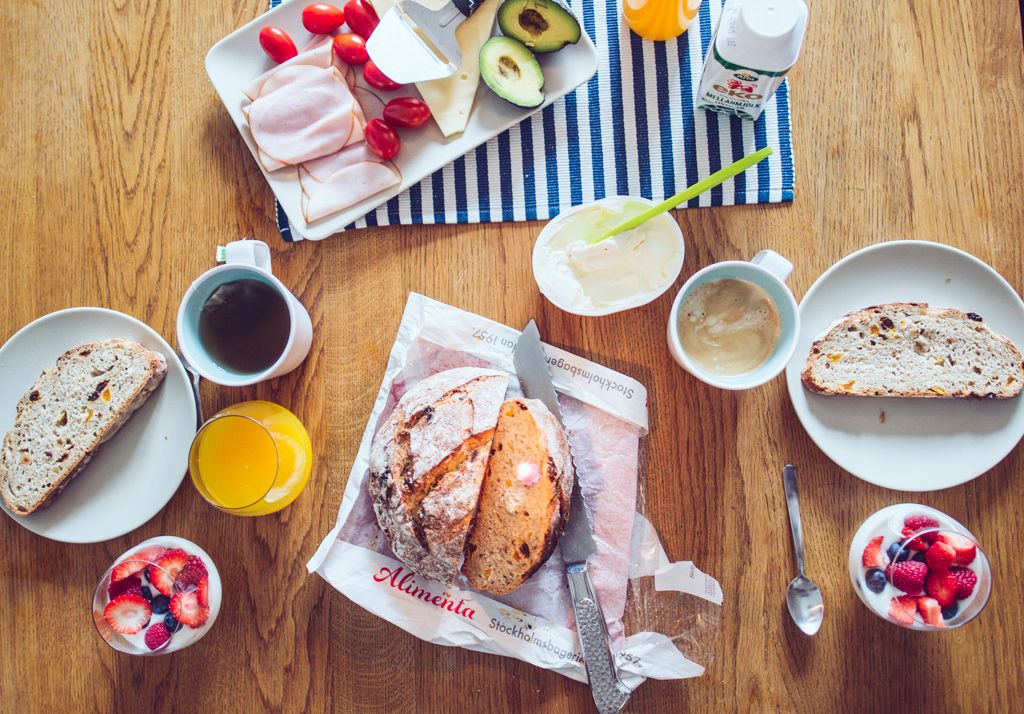 janni-deler-bday-breakfastDSC_3936