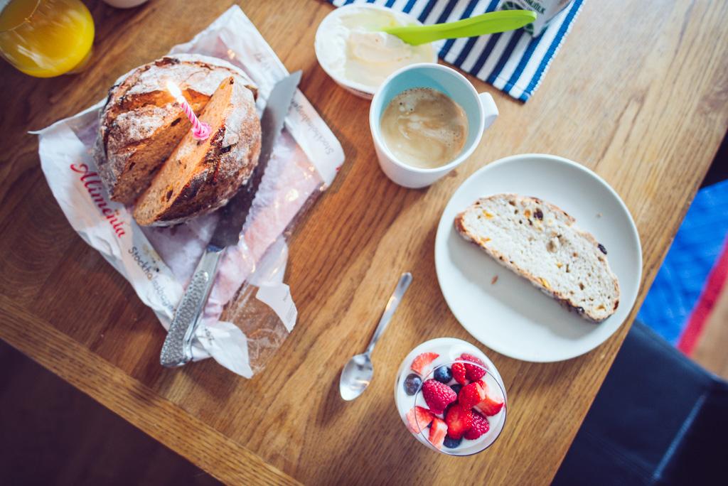 janni-deler-bday-breakfastDSC_3942