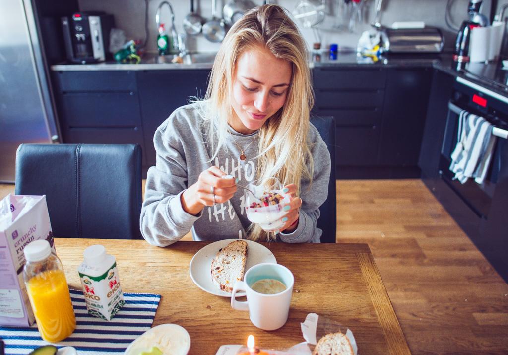 janni-deler-bday-breakfastDSC_3955