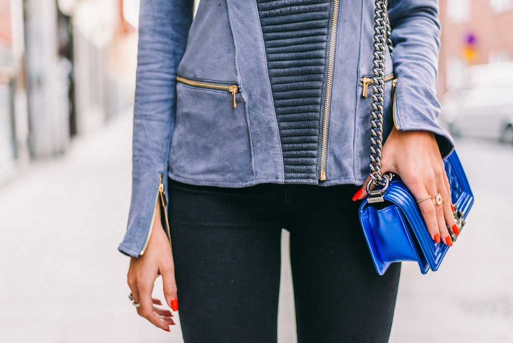 janni-deler-blue-leatherDSC_6281