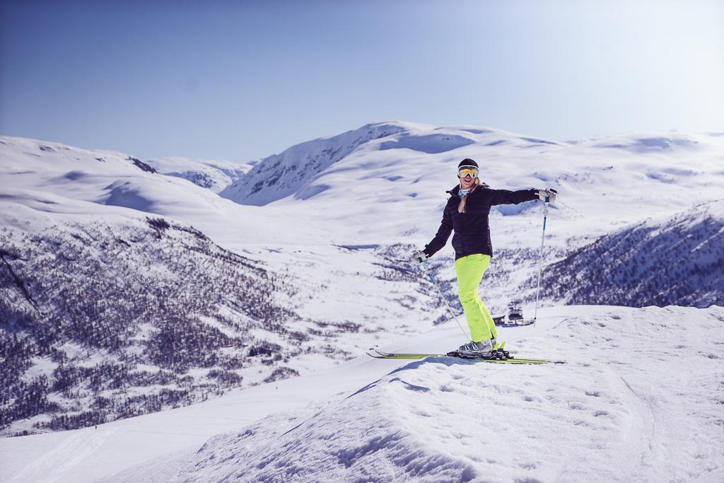 janni-deler-myrkdalen-skiingnamnlöst-3
