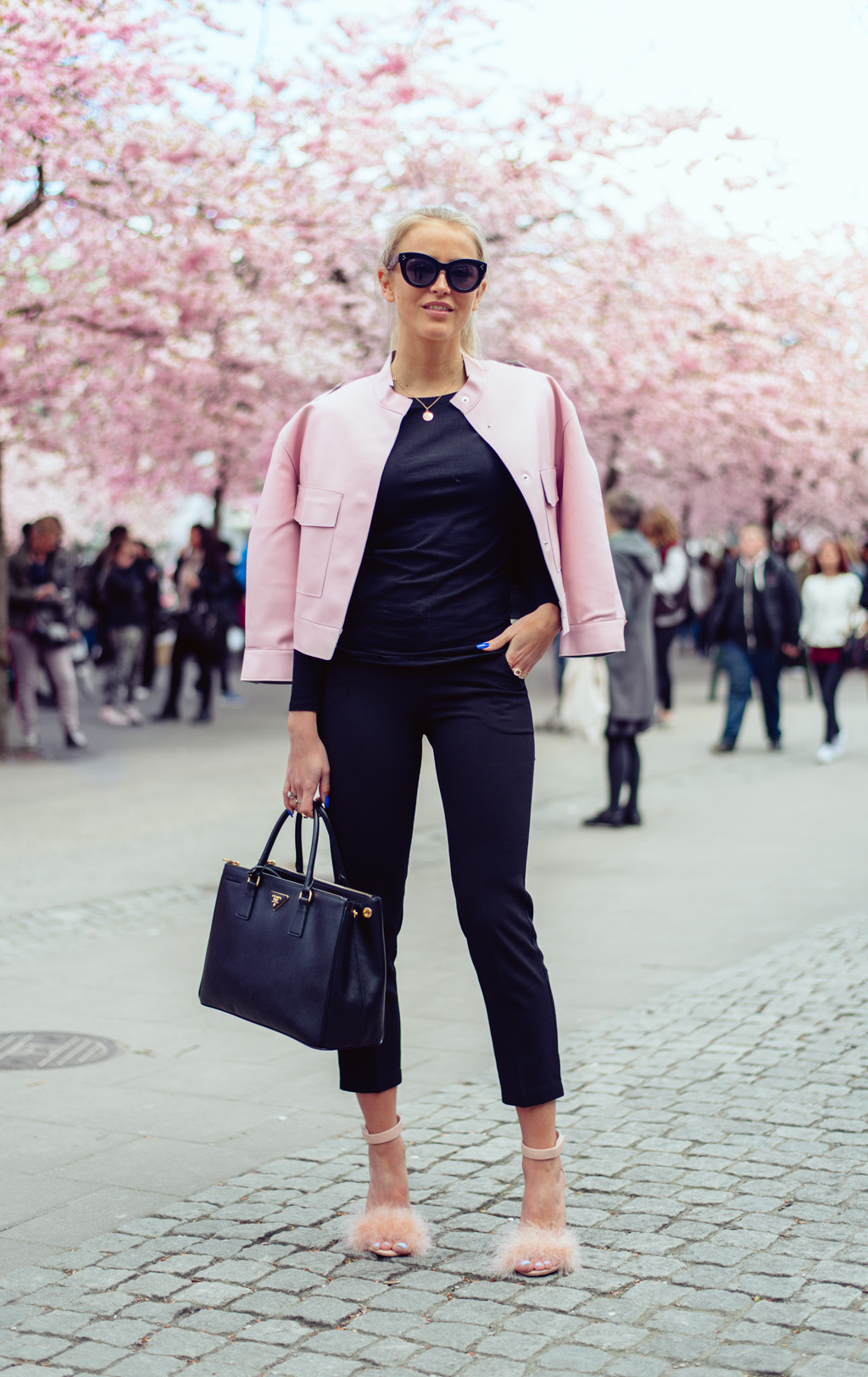 janni-deler-pink-flowersDSC_5746