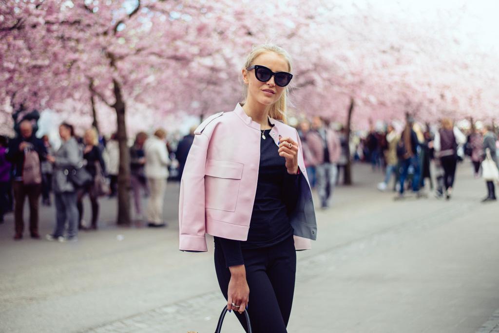 janni-deler-pink-flowersDSC_5754