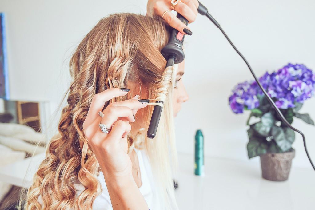 janni-deler-curly-hairDSC_3693