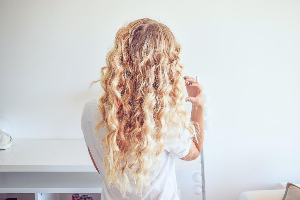 janni-deler-curly-hairDSC_3732