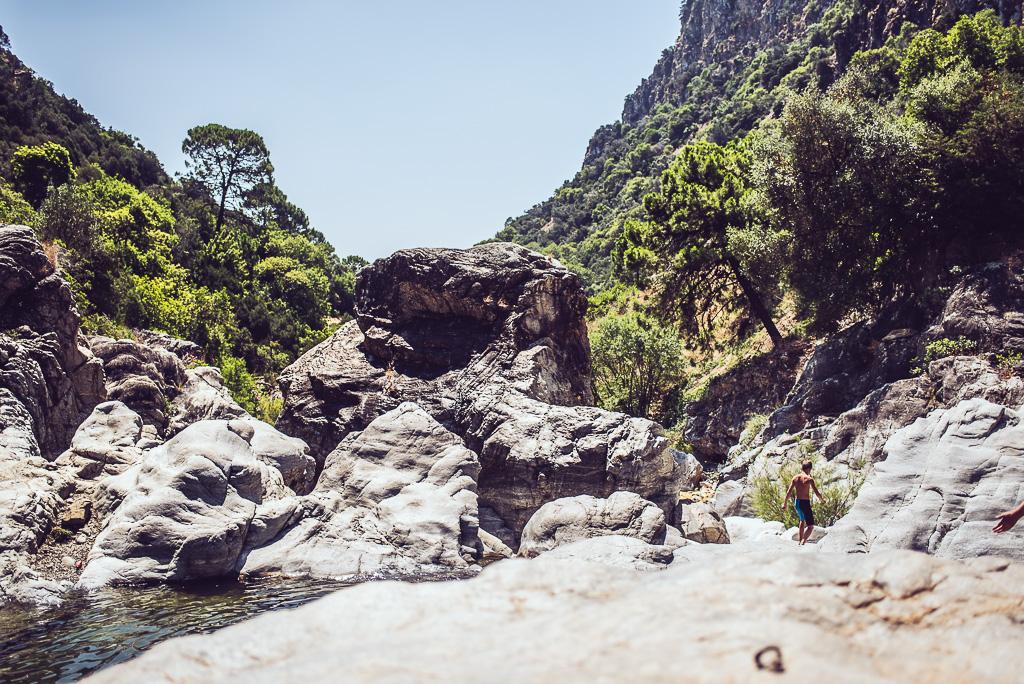 janni-deler-cliff-jumpingDSC_7967