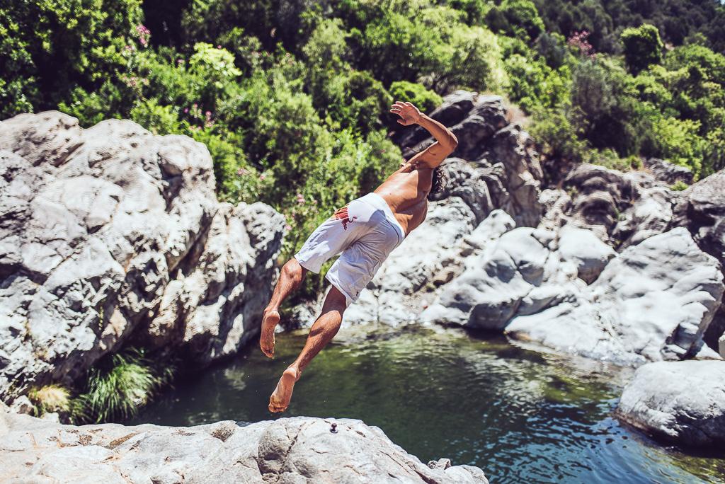 janni-deler-cliff-jumpingDSC_7994