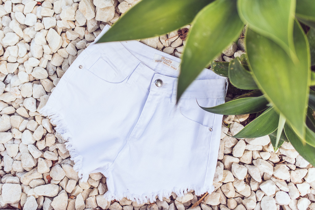 janni-deler-perfect-white-denimshortsDSC_8393