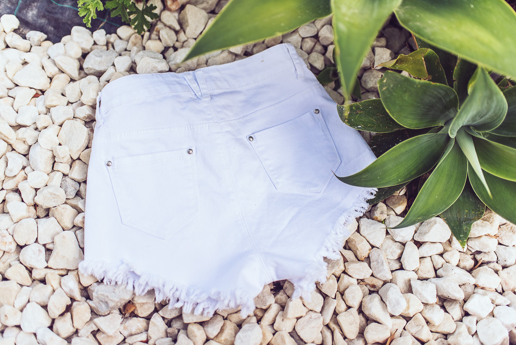 janni-deler-perfect-white-denimshortsDSC_8394