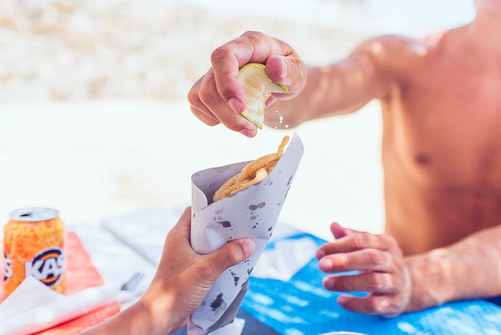 janni-deler-beach-lunchDSC_0577