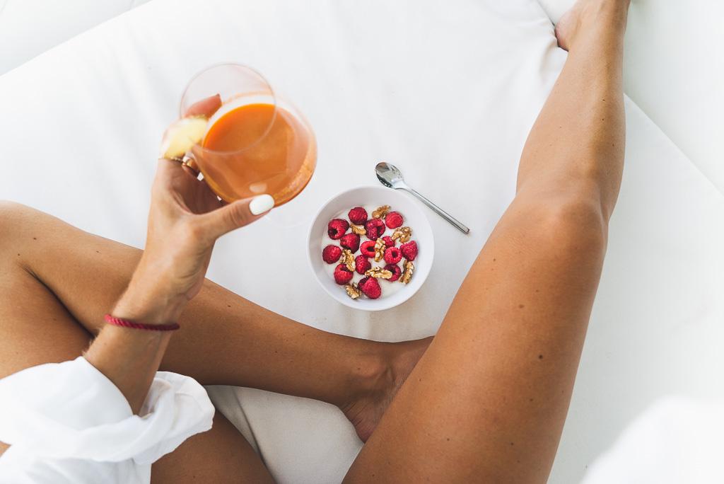 janni-deler-carrot-berries-breakfastDSC03428