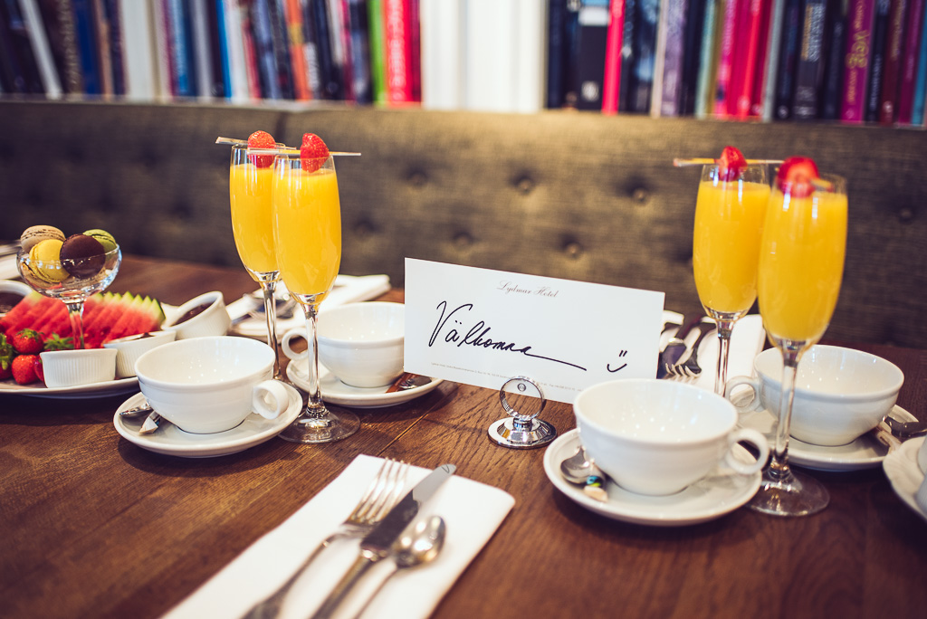 janni-deler-hotel-breakfast-lydmar-hotell-stockholmDSC_1479