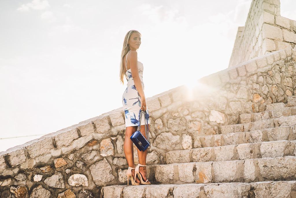 janni-deler-stair-greece-missholly-dressDSC07498