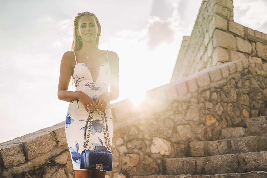 janni-deler-stair-greece-missholly-dressDSC07510