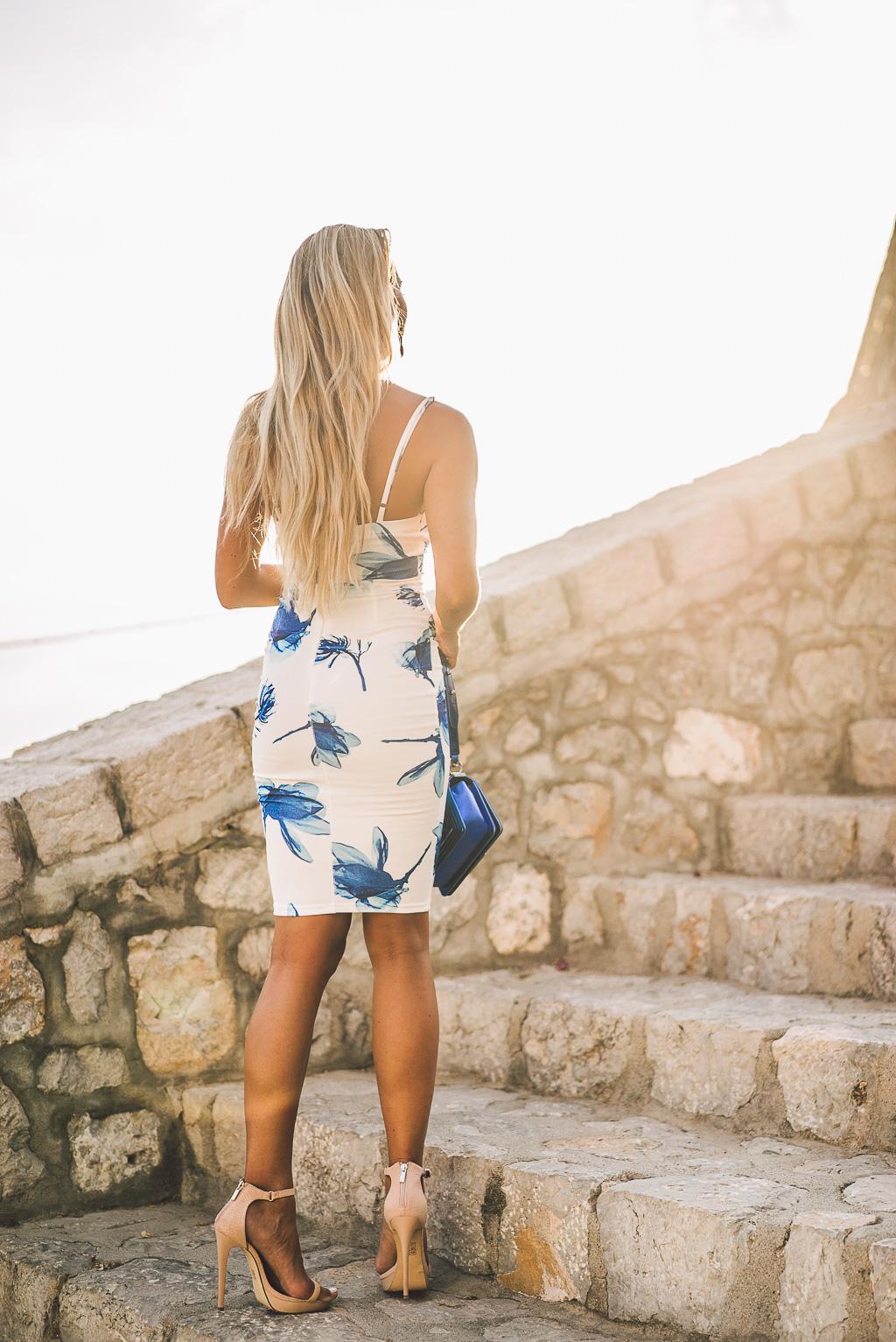 janni-deler-stair-greece-missholly-dressDSC07520