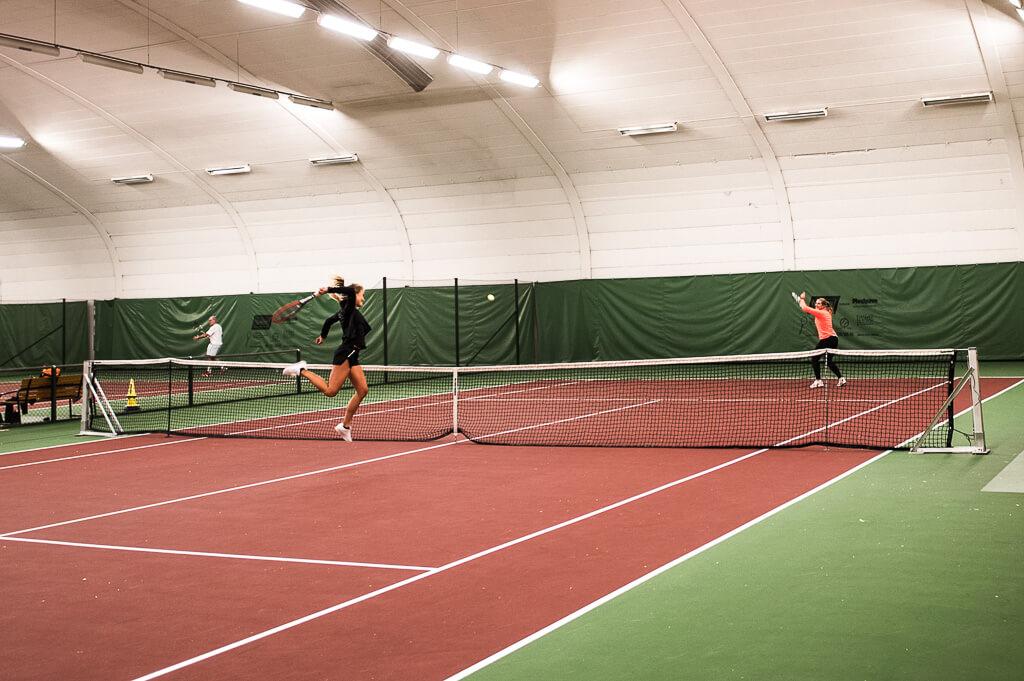 janni-deler-tennisDSC_0887-Redigera