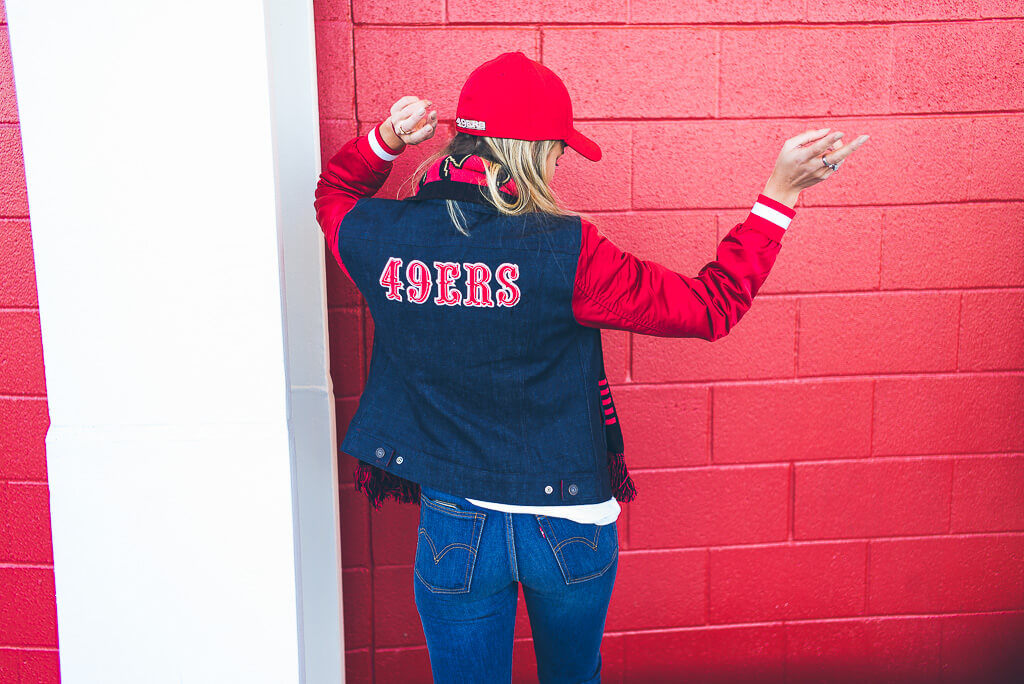 janni-deler-49ers-look-levisL1006706