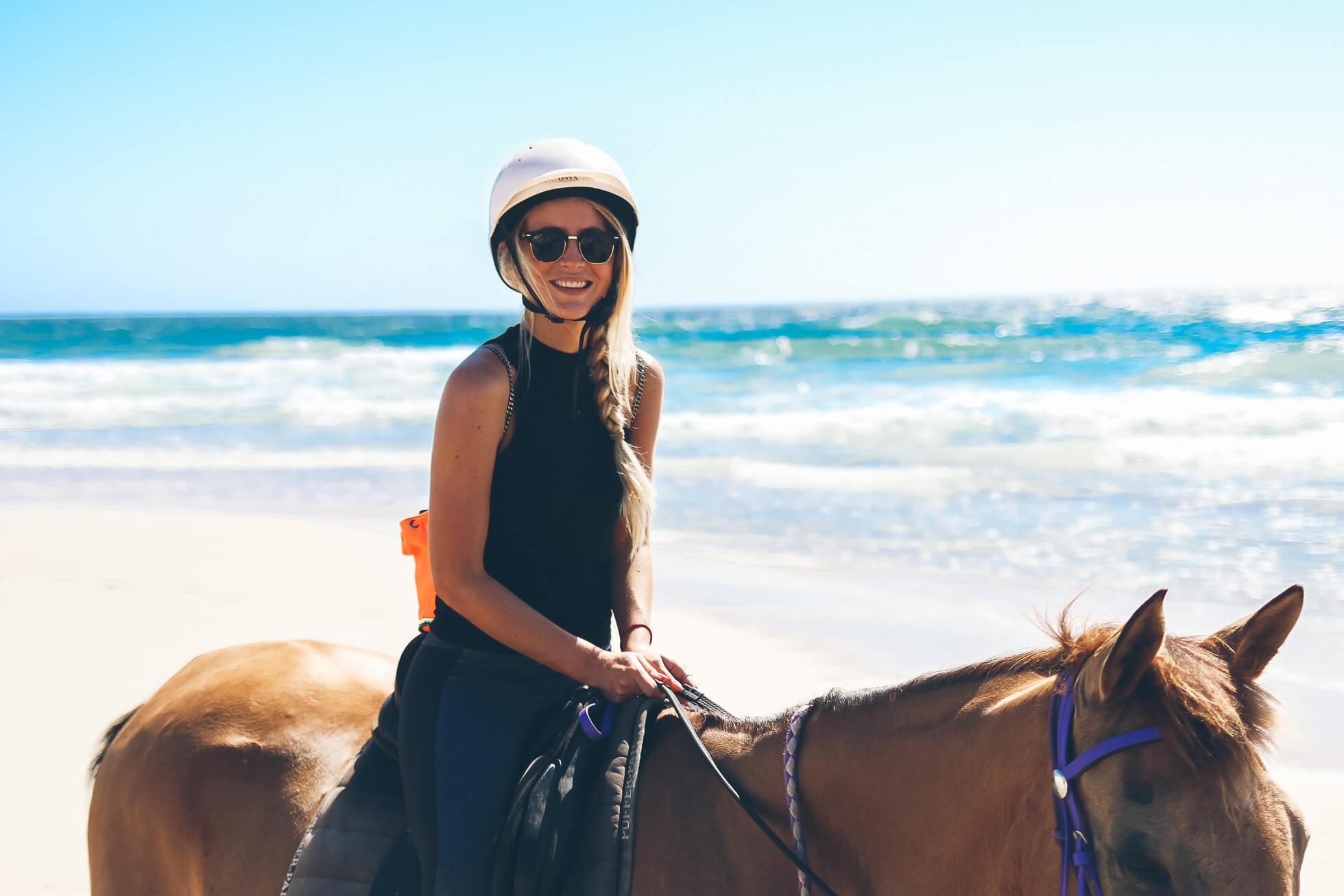 janni-deler-horseback-riding-byronbayIMG_1473