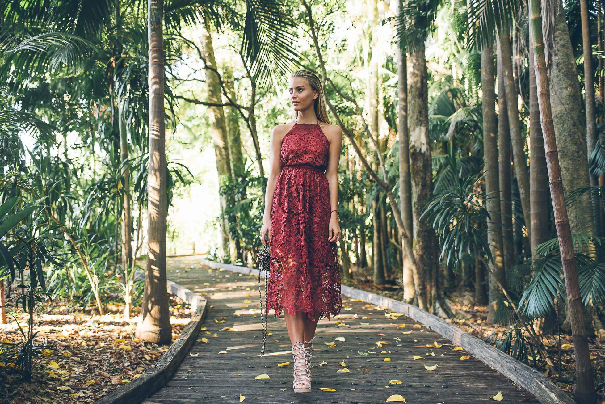 janni-deler-jungle-red-laceDSC_3795