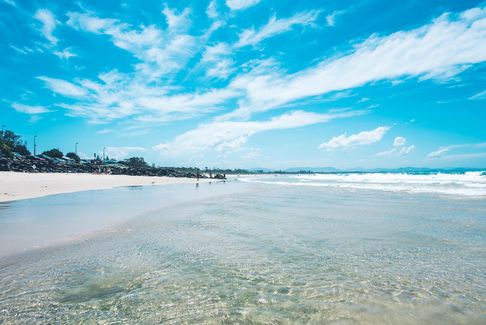 janni-deler-main-beach-byronDSC_3278