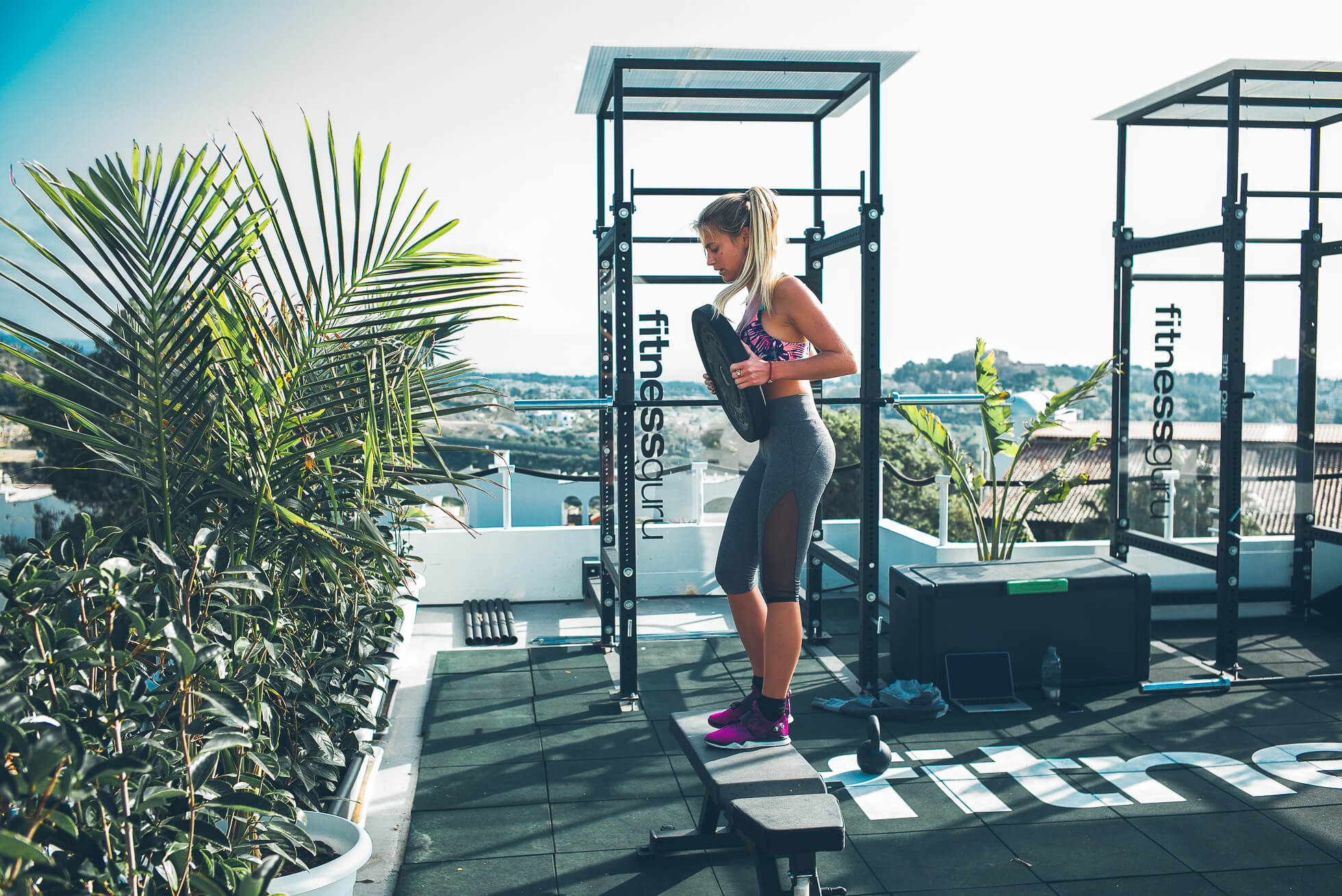 janni-deler-rooftop-workoutL1009023