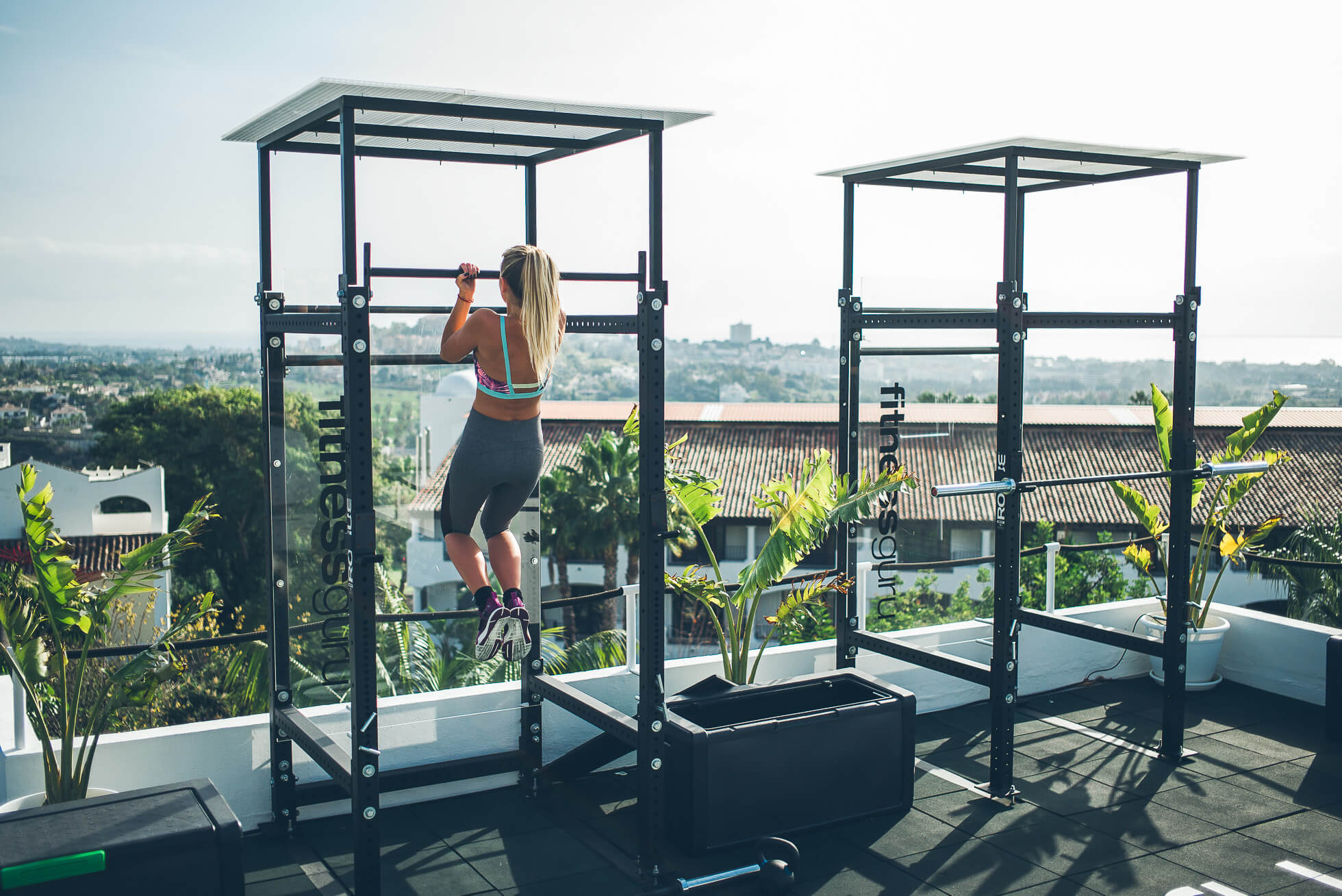 janni-deler-rooftop-workoutL1009050