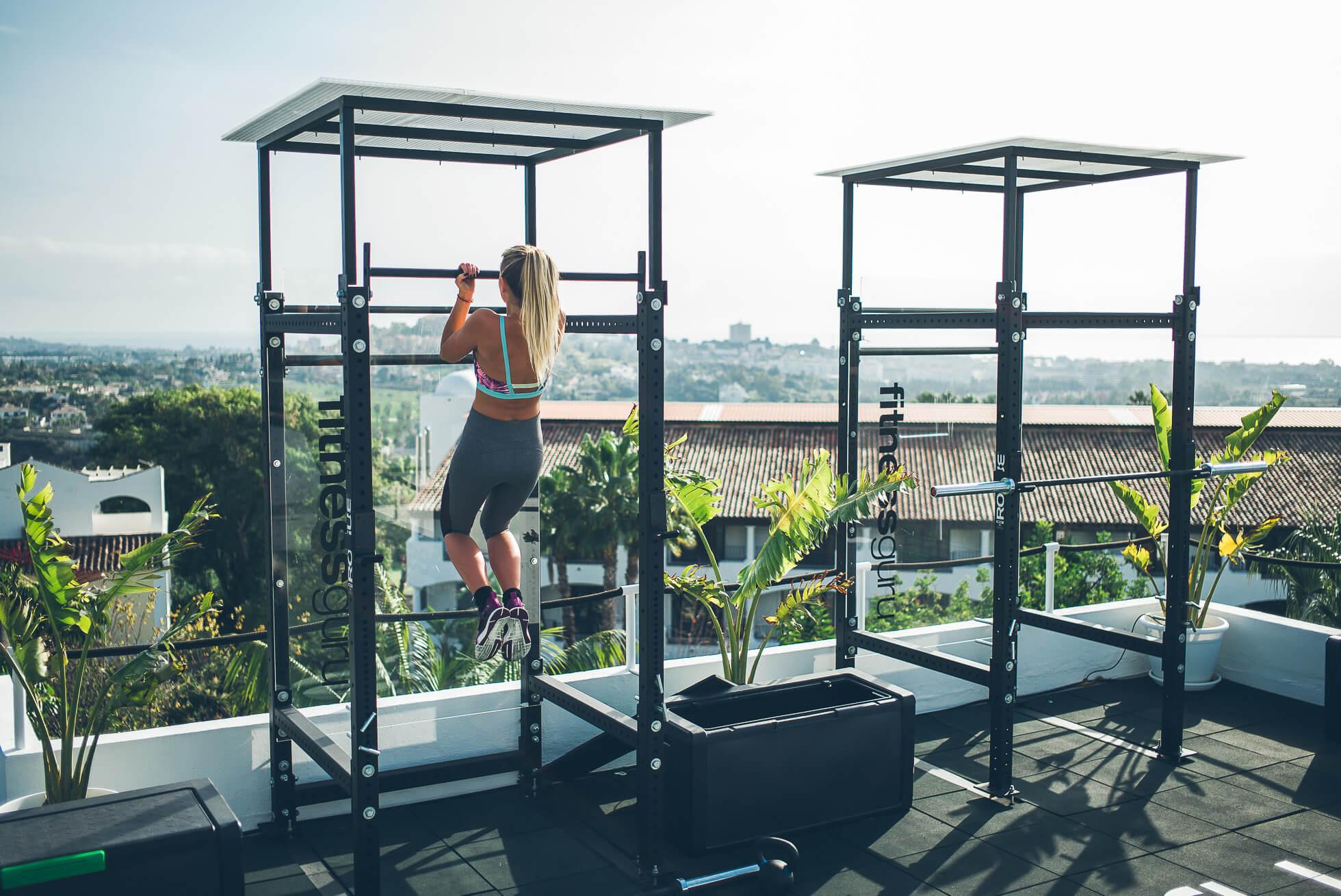 janni-deler-rooftop-workoutL1009050