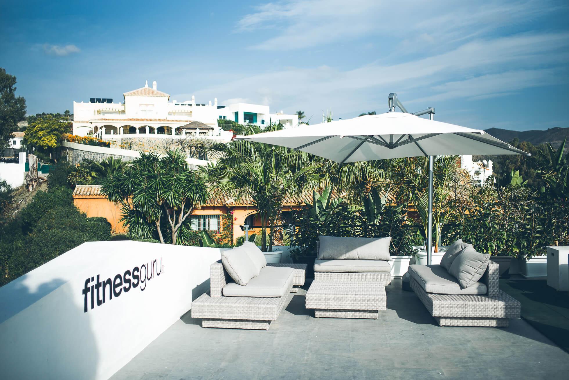 janni-deler-rooftop-workoutL1009060