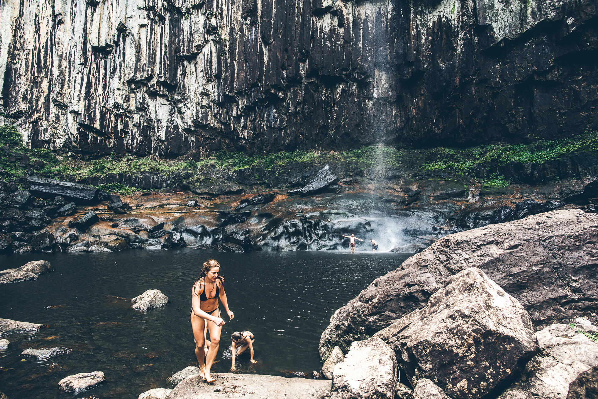 janni-deler-waterfall-hike-byronbayDSC_3434