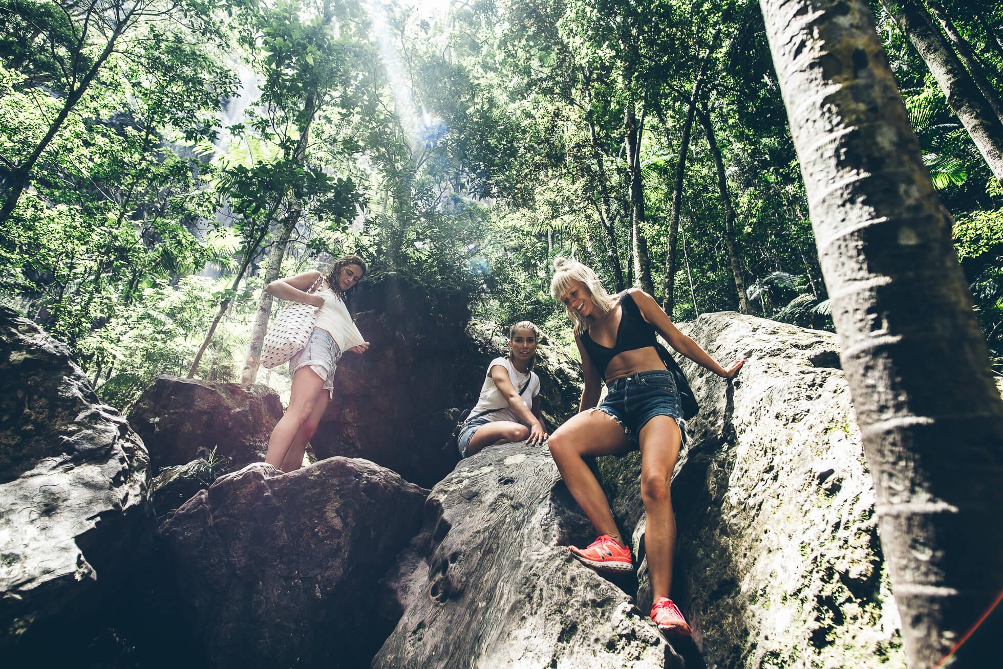 janni-deler-waterfall-hike-byronbayDSC_3443