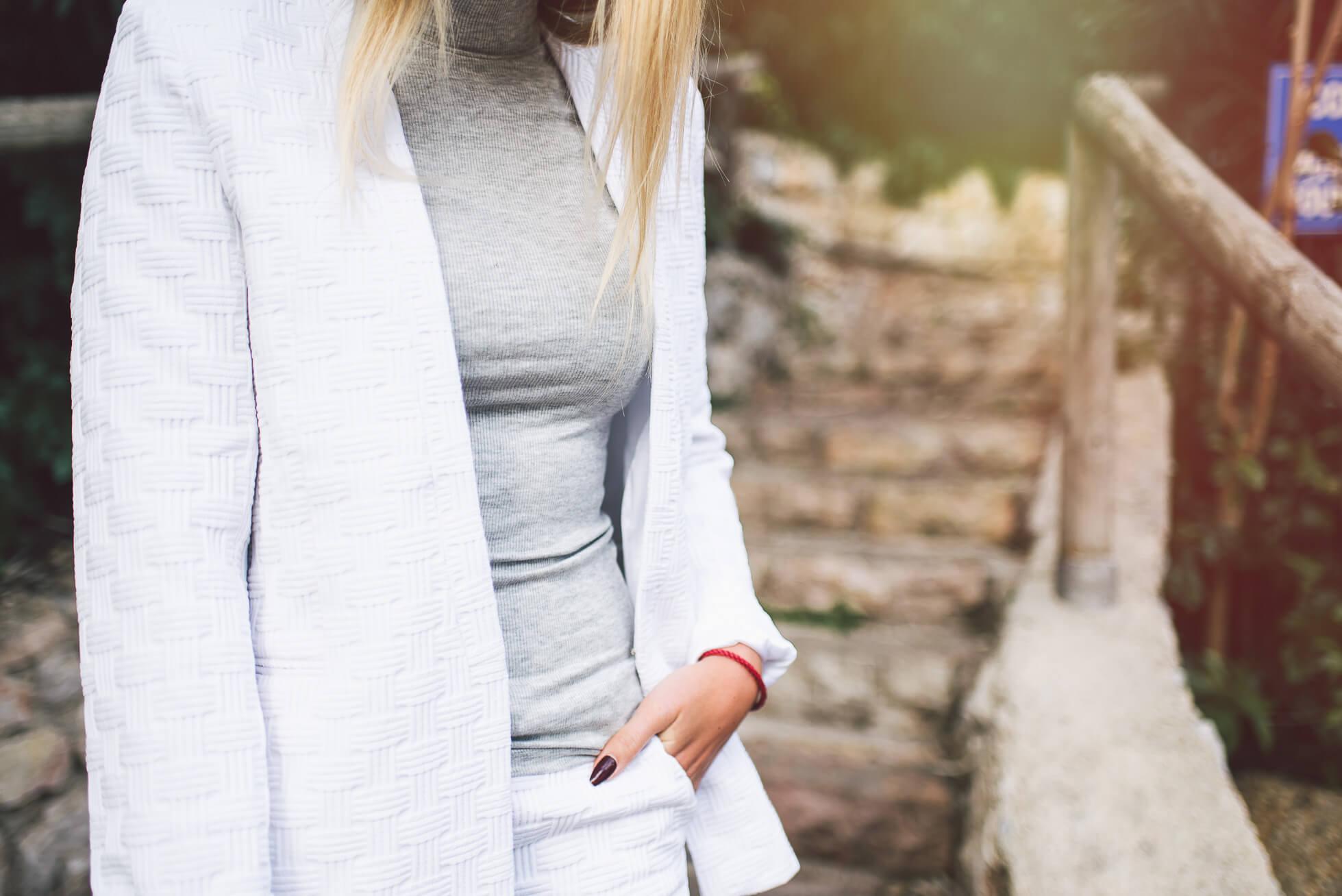 janni-deler-white-suitDSC_6923-Redigera