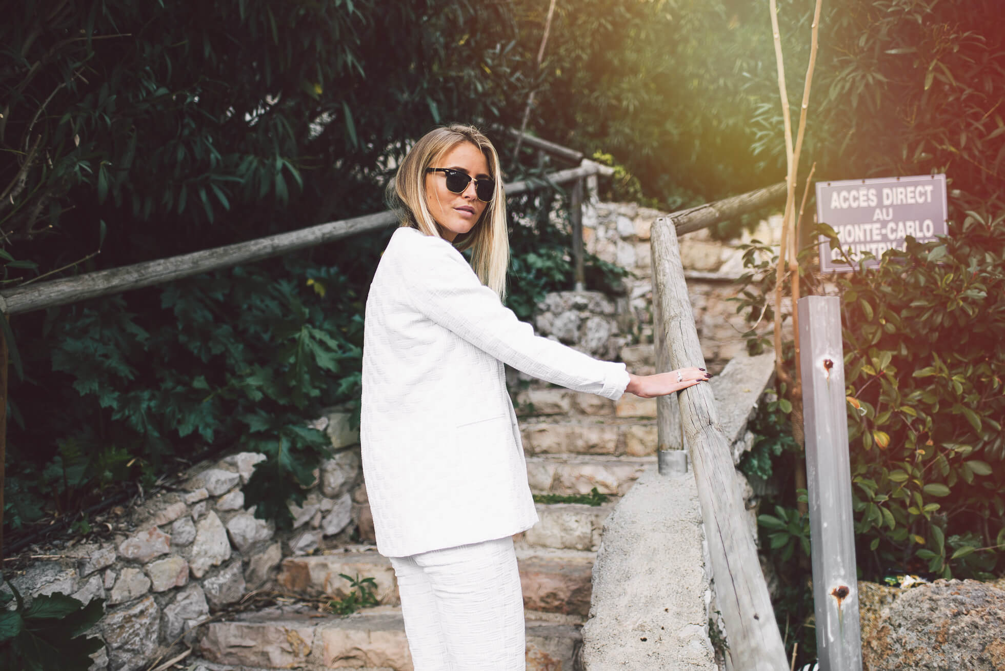 janni-deler-white-suitDSC_6948-Redigera