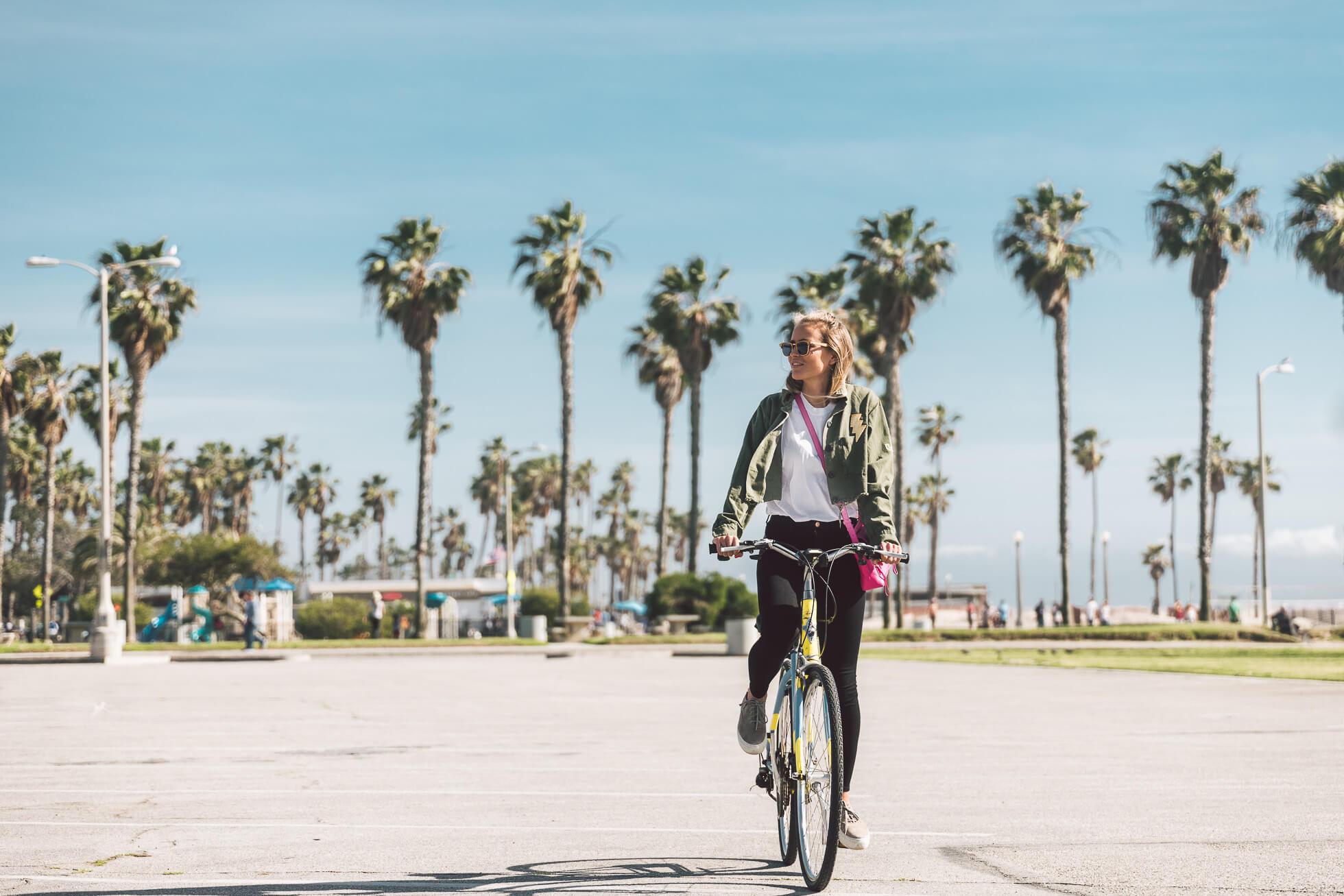 janni-deler-bike-ride-veniceL1010439