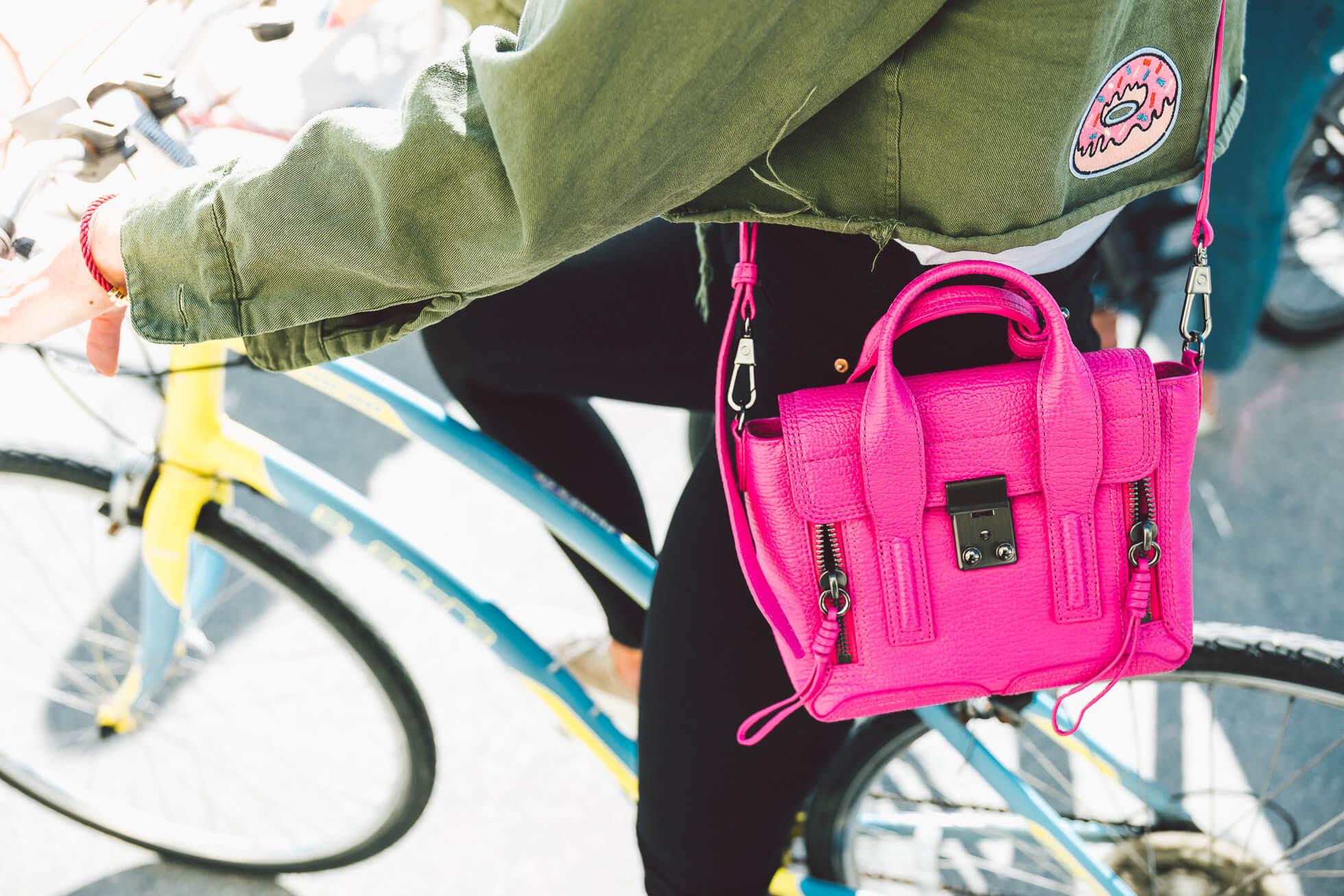 janni-deler-bike-ride-veniceL1010452