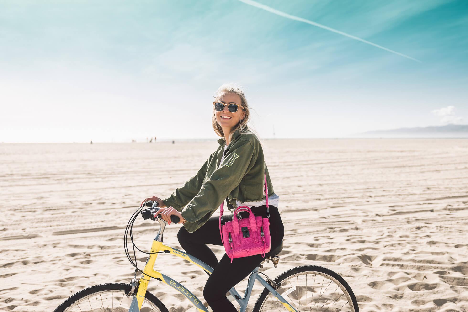 janni-deler-bike-ride-veniceL1010478