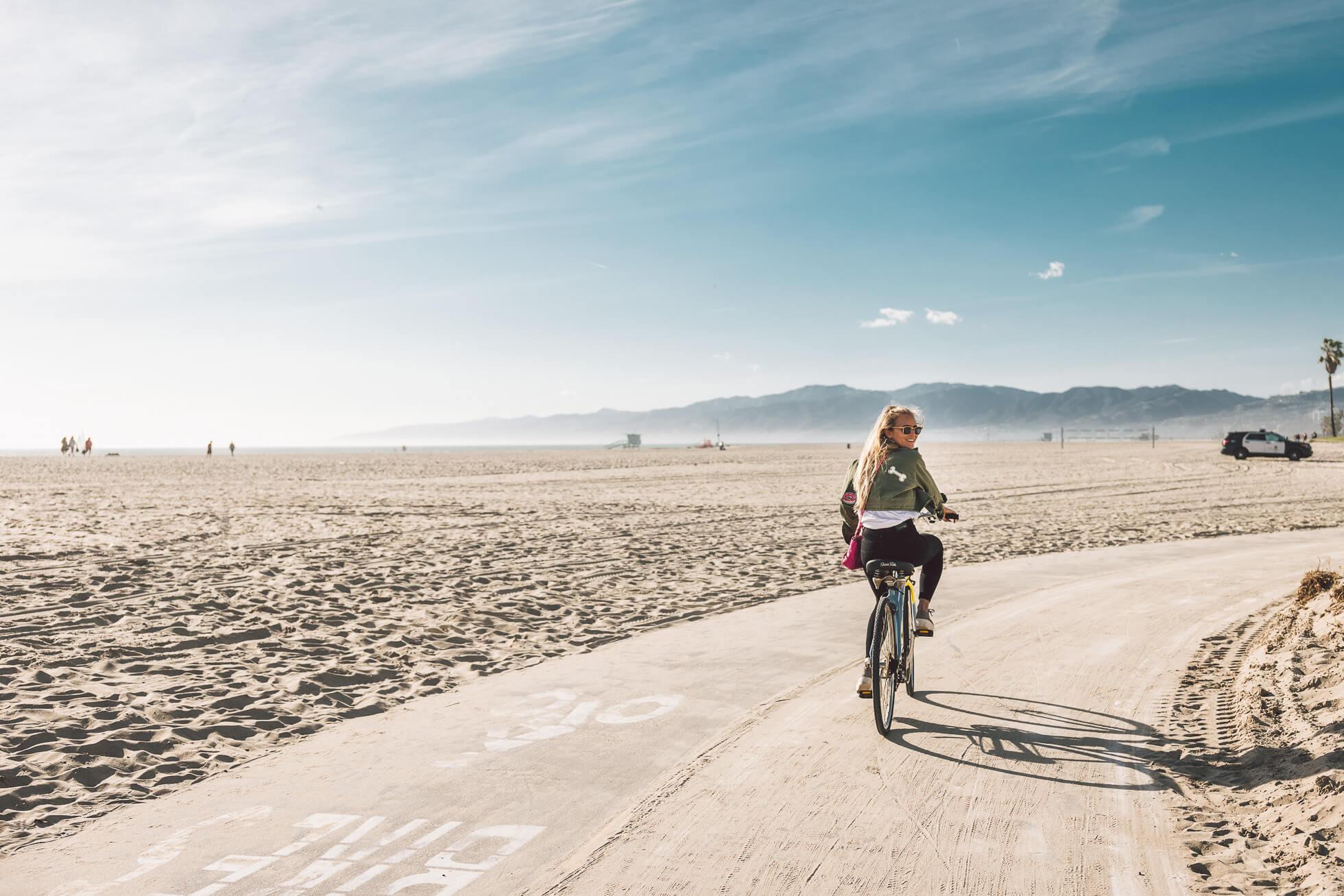 janni-deler-bike-ride-veniceL1010562