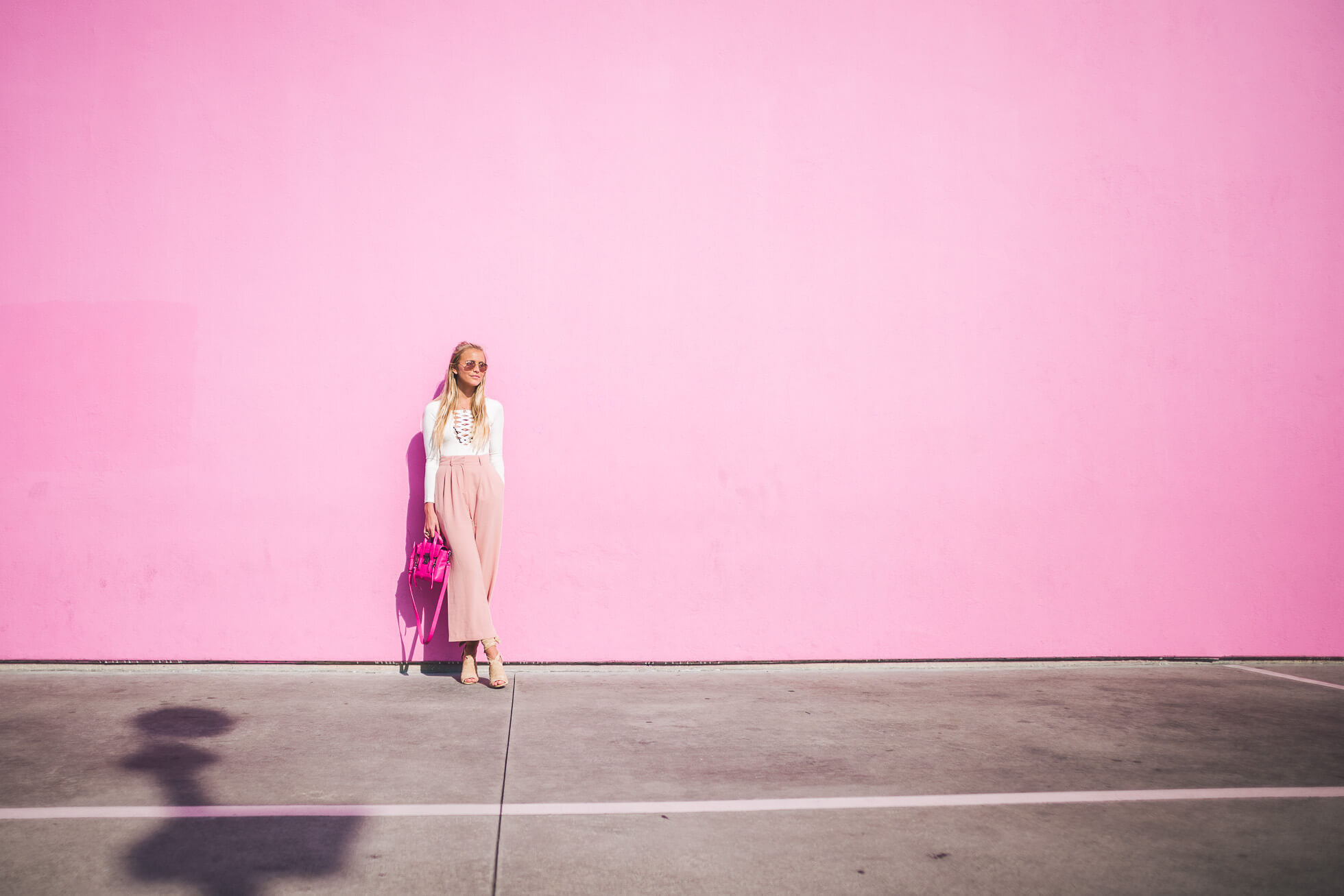 janni-deler-pink-wallL1020851