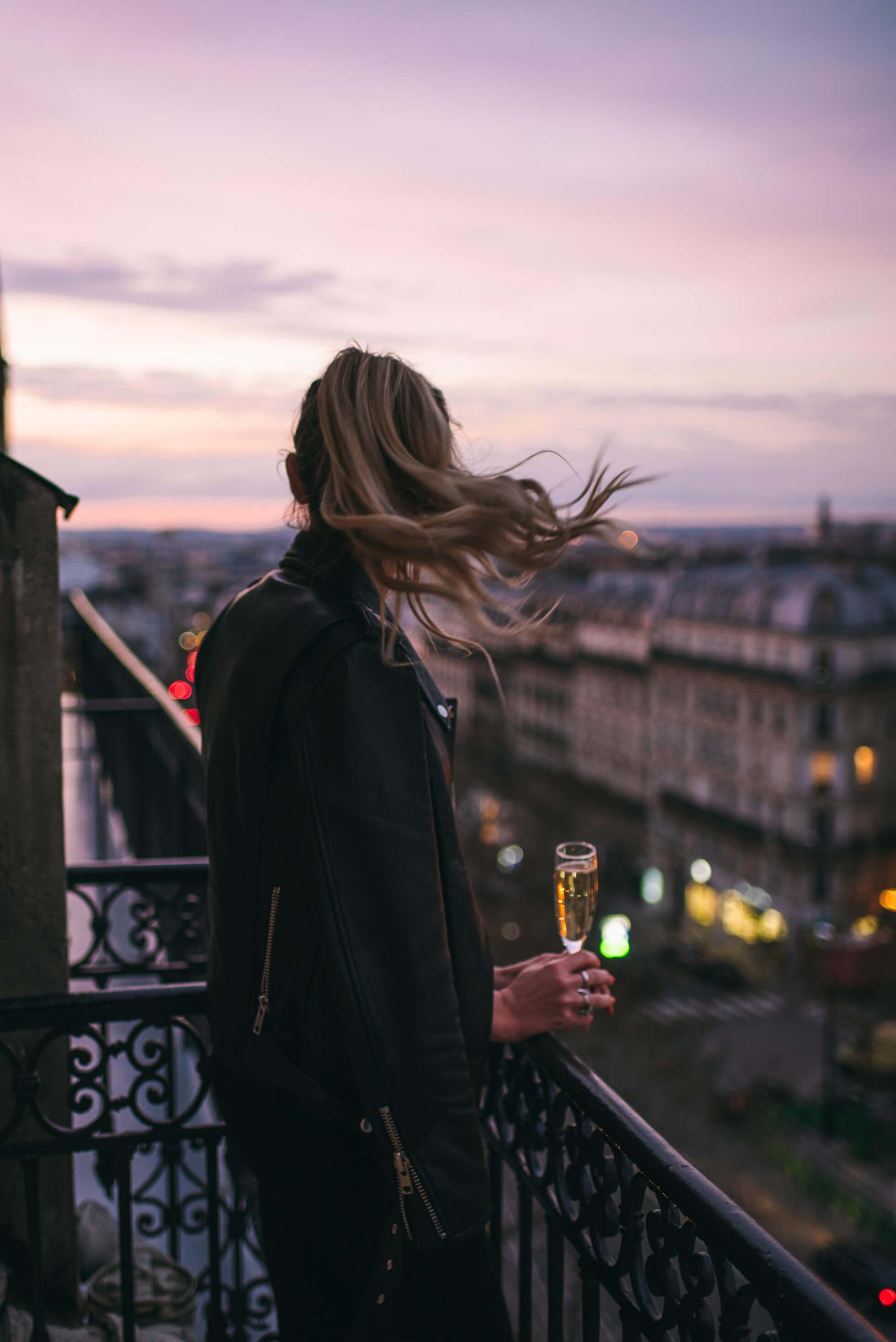 janni-deler-balcony-parisDSC_3278