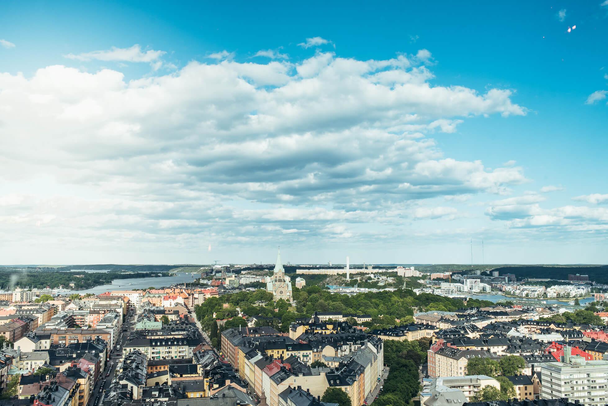 janni-deler-dinner-above-stockholm-himlenDSC_7149