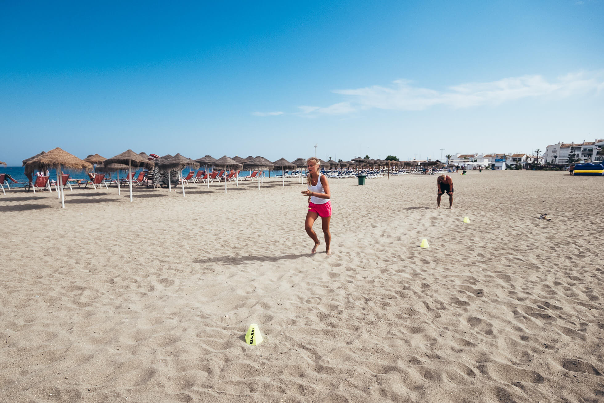 janni-deler-beach-workoutJ1120634