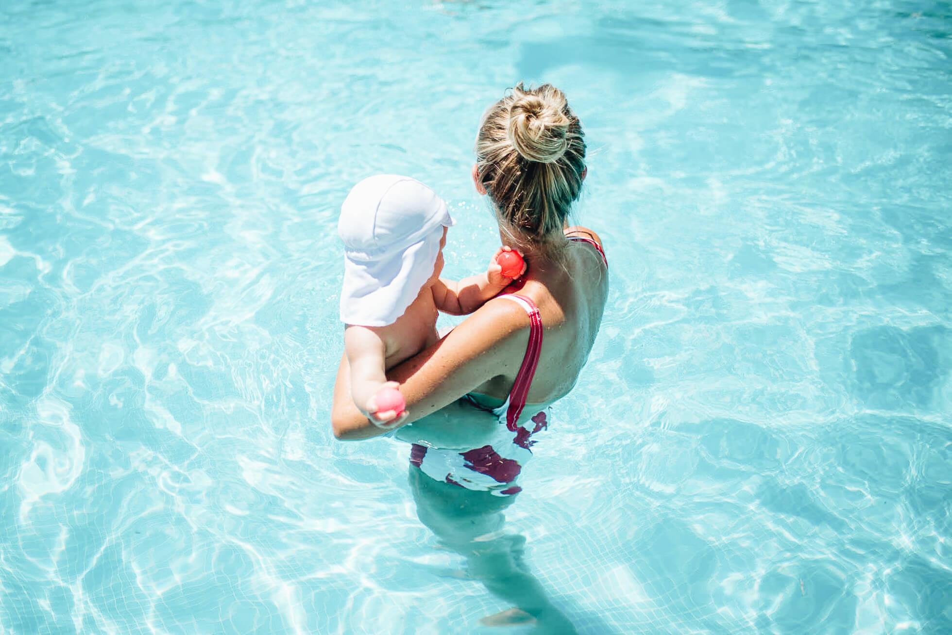 janni-deler-baby-swimDSC_3983