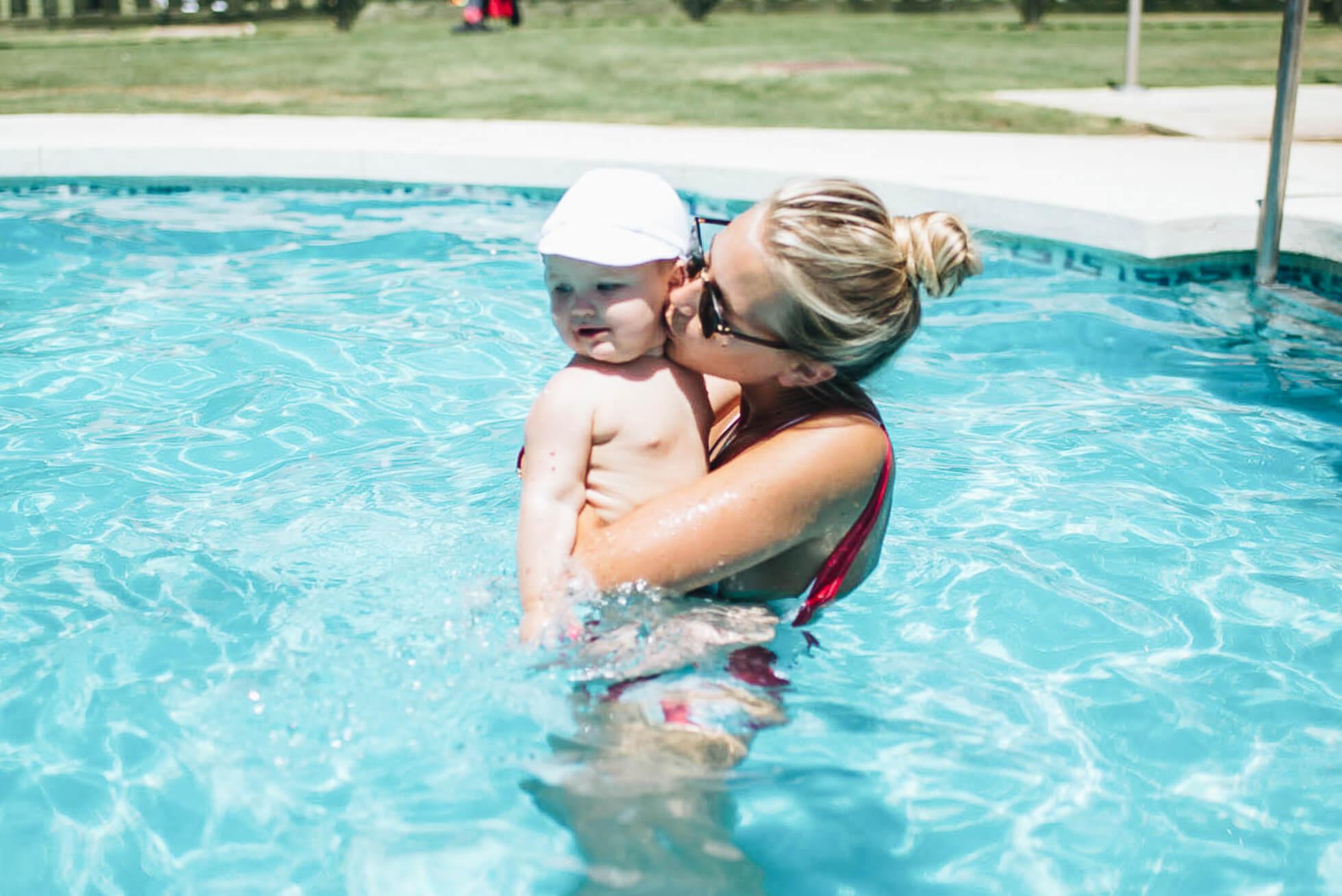 janni-deler-baby-swimDSC_3986
