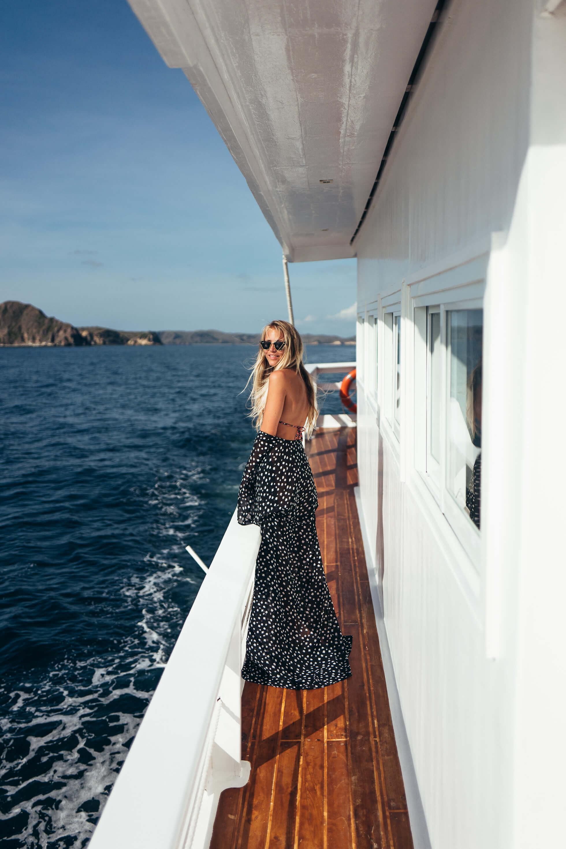 janni-deler-boat-komodo-islandsl1020211